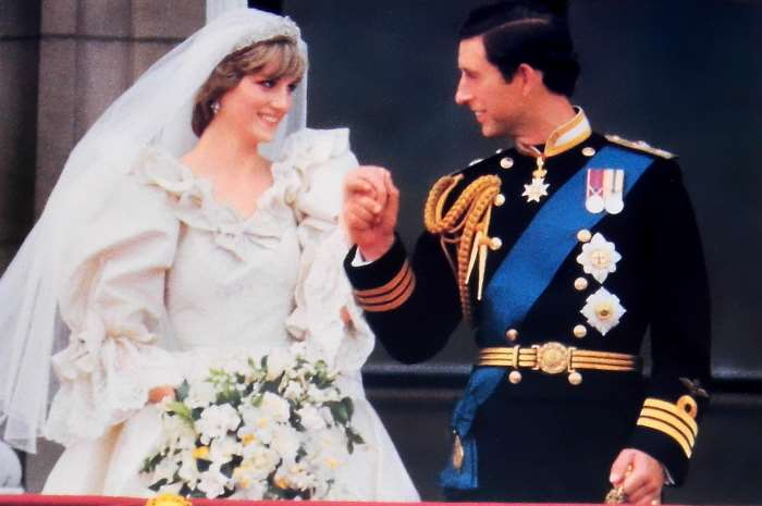 lady Diana's wedding dress